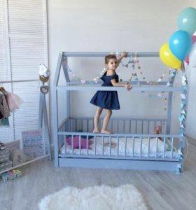 Домик-кроватка детская