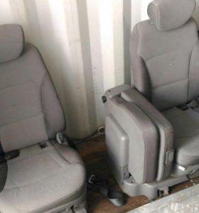 Средний ряд Сидений Hyundai Grand Starex