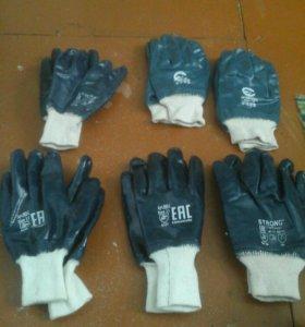Прорезиненные перчатки строительные.