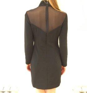 Чёрное платье из плотной ткани
