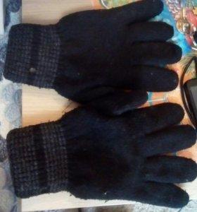 Перчатки на мужчину или подростка