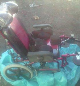 Коляска детская инвалидная и кресло коляска