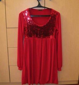 Красное платье и туфли к нему
