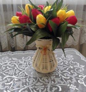 Ваза с тюльпанами.