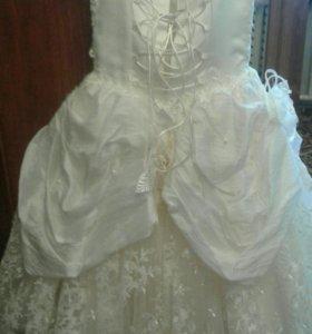 Платье на выпускной покупали за 170$