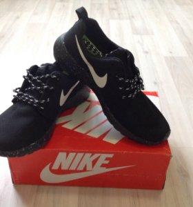 Кроссовки Nike Roche
