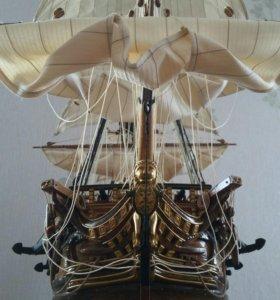 Продается модель корабля