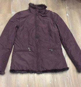 Продам куртку р.s