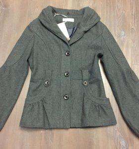 Продам пальто р.40-42