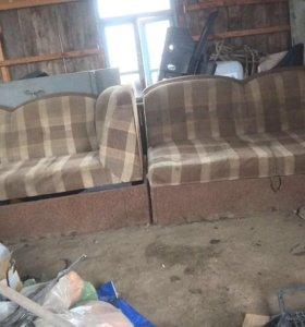 Продаю не нужные диваны