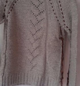 Новый свитер M
