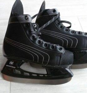 Детская спортивная обувь.