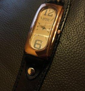 Часы CCQ кожаный ремешок унисекс новые