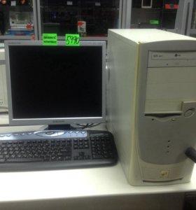 Системный блок, монитор и клавиатура