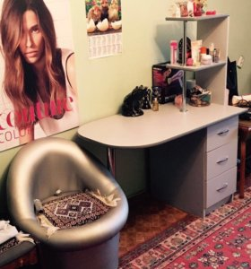 Маникюрный стол с креслом
