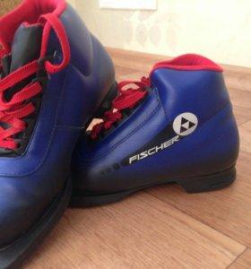 Ботинки лыжные (размер34)