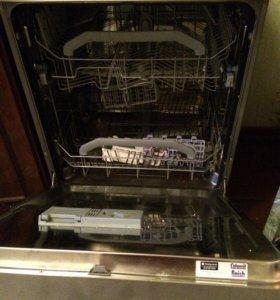 Посудомойка Ariston LDF 123147