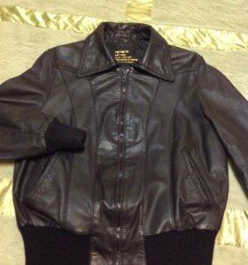Кожаная короткая курточка