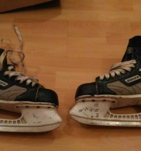 Хоккейные коньки Bauer. 39,5.