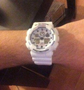 Часы Casio G-shock белые