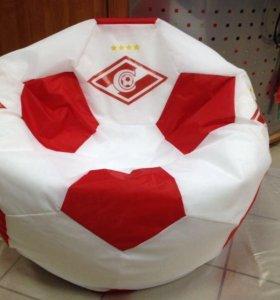Кресло мяч с логотипом.