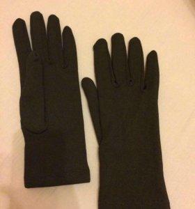 Перчатки как новые !