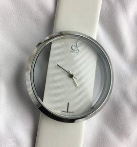 Часы Calvin Klein Ck glam белого цвета