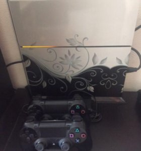 Playstation 4 1 Tb + 2 геймпада