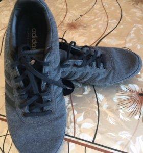 Кроссовки новые.