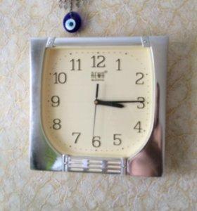 Часы настенные пластик