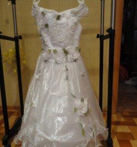 Платье для девочки с кольцом