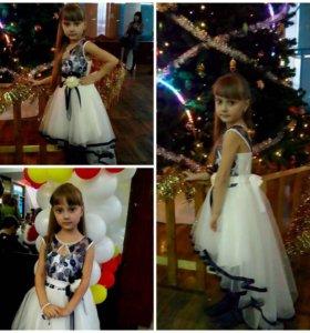 Шикарное платье со шлейфом!!!Торг уместен