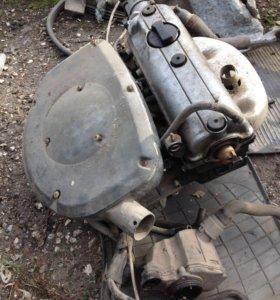 Двигатель 1,6 AEE