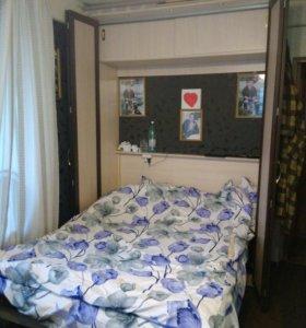 Подъёмная шкаф-кровать.