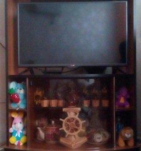 Тумба под телевизор в отличном состоянии