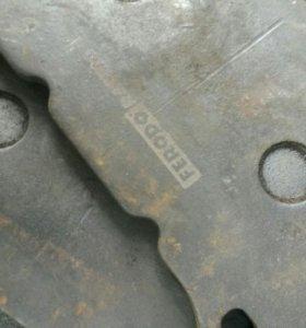 Колодки передние для субару брембо голд