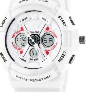 Белые часы.
