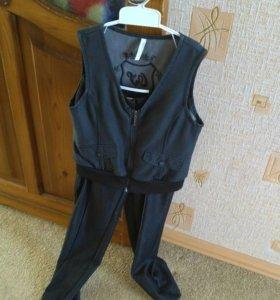Школьный костюм. Брюки + жилетка.