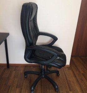 Офисный стул руководителя