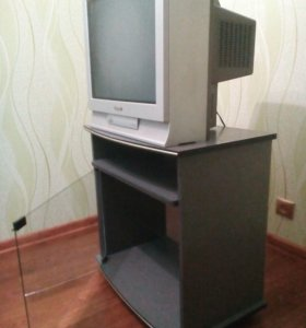 Телевизор с тумбочкой