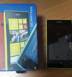 Телефон HOKIA Lumia 520