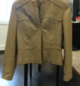 Куртка кожаная размер 44-46