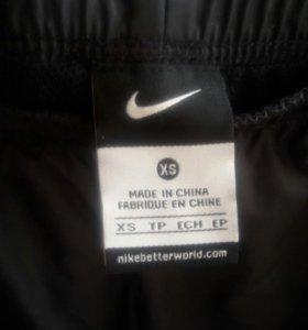 Брюки спортивные фирмы Nike