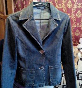Продаю новую женскую джинсовую куртку!))