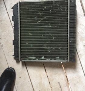 Радиатор охлаждения на BMW e28
