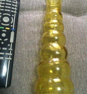 Вазочка из желтого прозрачного стекла