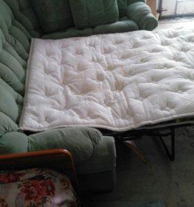 Продам большой угловой диван, цвет зеленый