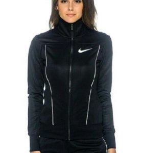Спортивный костюи Nike