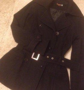 Пальто легкое,