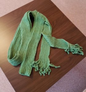 Декоративный шарф с бахромой